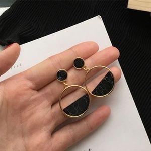 Jewelry - UO Geometric Black Marble Drop Earrings